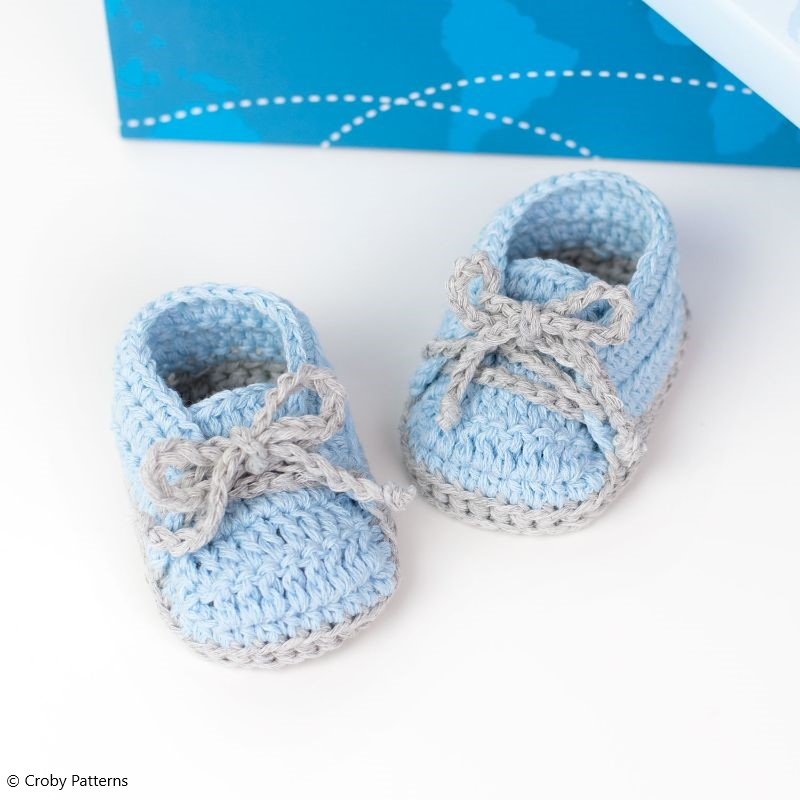 Free Crochet Pattern Baby Sneakers - Travel The World