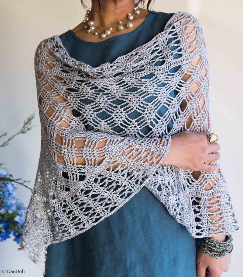 Stunning Lacy Poncho Lattice Crochet Pattern