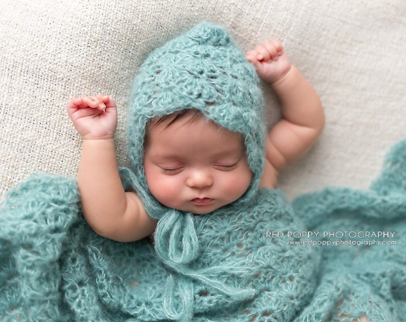 Newborn Lace Bonnet Hat Crochet Pattern