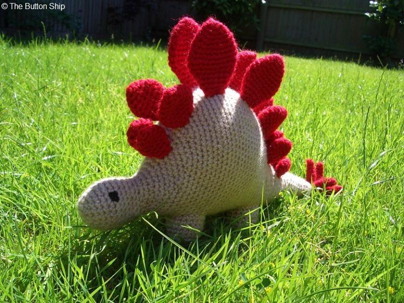 Hello Stegosaurus Free Crochet Pattern