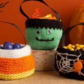 knitted-halloween-treat-bags-ft