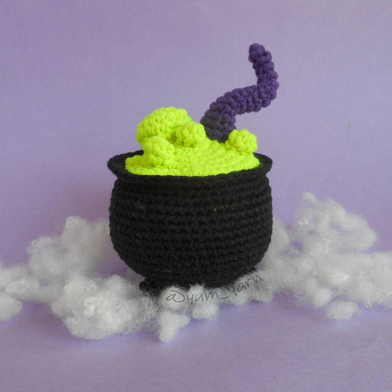 Crochet Witch's Cauldron