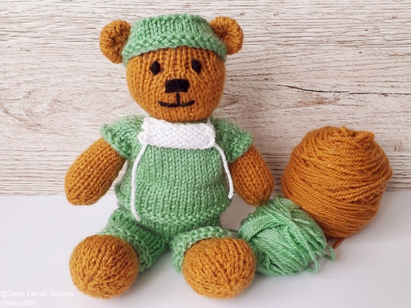 Nurses and Doctors Softies Free Knitting Patterns